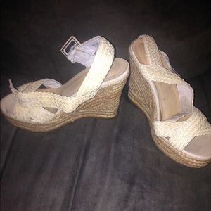 Also wedges. Size 39